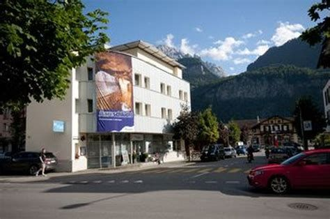 "../../holiday-hotels/?HolidayID=7&HotelID=3&HolidayName=Switzerland-+Meiringen+%2D+Crossroads+of+Five+Passes+-&HotelName=Hotel+Meiringen+"">Hotel Meiringen"