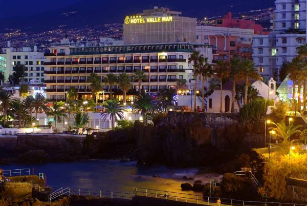 "../../holiday-hotels/?HolidayID=27&HotelID=28&HolidayName=Spain+%2D+Canary+Islands-Tenerife+%2D+The+Highest+Island+-&HotelName=Hotel+Valle+Mar"">Hotel Valle Mar"