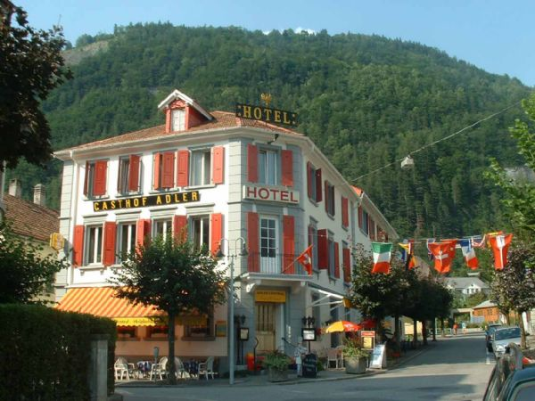 "../../holiday-hotels/?HolidayID=57&HotelID=2&HolidayName=Switzerland-+Meiringen+Winter+Walking-&HotelName=Hotel+Adler+%2A%2A"">Hotel Adler **"