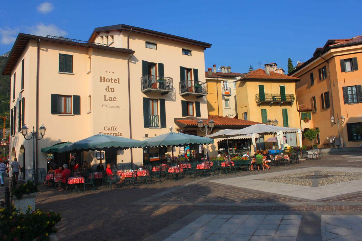 "../../holiday-hotels/?HolidayID=205&HotelID=267&HolidayName=Italy-Italian+Lakes+%2D+Lake+Como+Centred+-&HotelName=Hotel+Du+Lac++%2A%2A%2A"">Hotel Du Lac  ***"