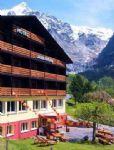 "walking-holidays-accommodation-details.asp?HolidayID=51&HotelID=63&HolidayName=Switzerland-+Grindelwald-&HotelName=Hotel+Lauberhorn%2A%2A+Superior"">Hotel Lauberhorn** Superior"